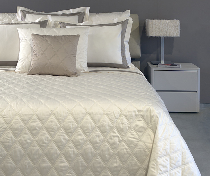 Filicudi quilted coverlet