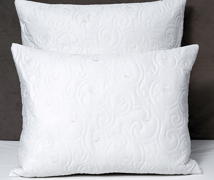 Valzer quilted decorative pillow sham